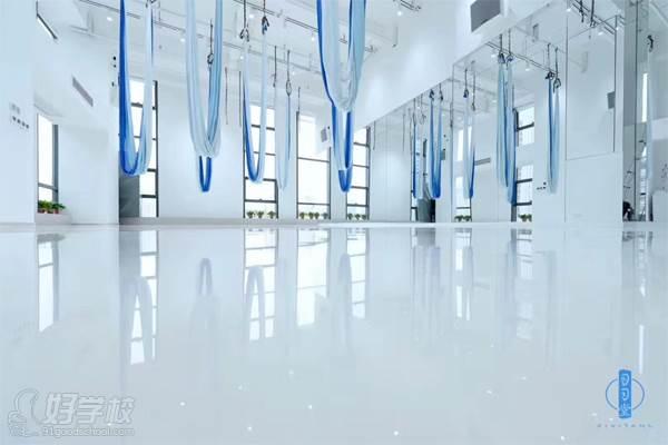 學校環境 空中瑜伽教室