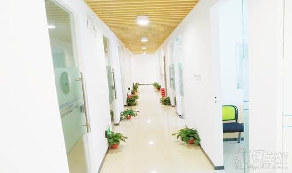 广州思比乐教育 学校走廊