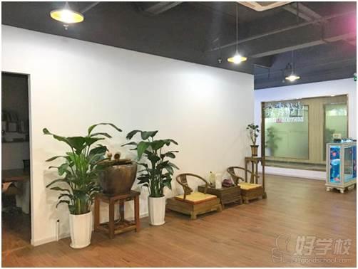 深圳鹤医航教育学校环境