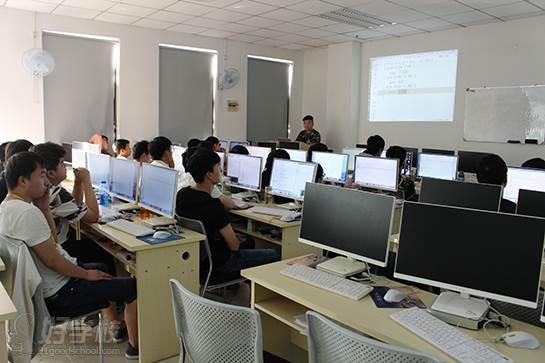郑州蓝鸥科技培训中心 上课现场