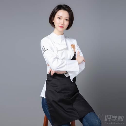 南京愛寵愛·高端寵物烘焙教室  唐老師