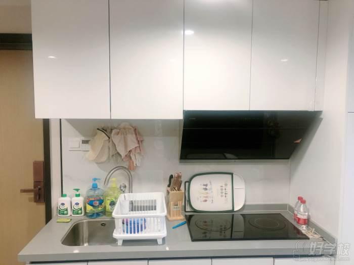 南京愛寵愛·高端寵物烘焙教室  環境展示-洗手和加熱制作區