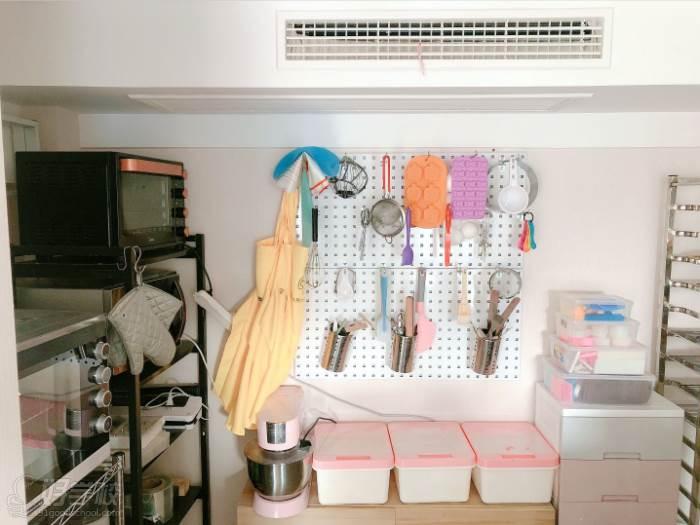 南京愛寵愛·高端寵物烘焙教室  環境展示-專業教學工具