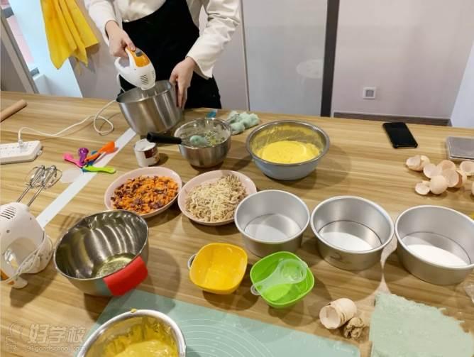 南京愛寵愛·高端寵物烘焙教室  專業制作示范教學