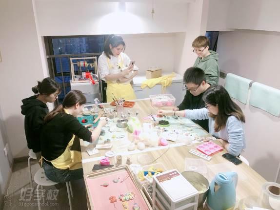 南京愛寵愛·高端寵物烘焙教室  學習現場