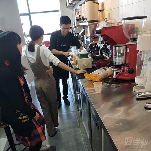 深圳贝勒海餐饮培训学校 授课现场