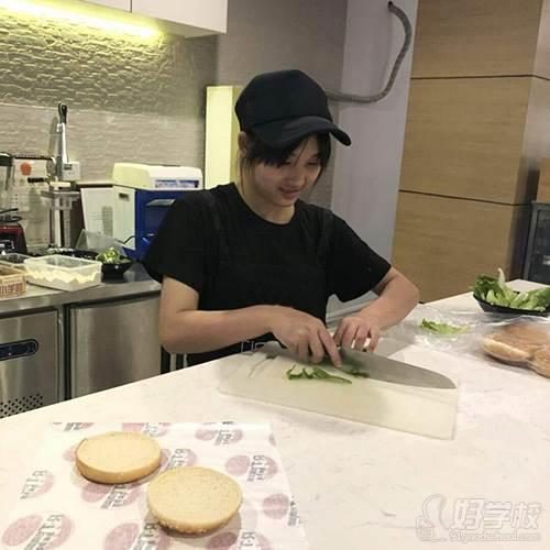 深圳贝勒海餐饮培训学校 学员实操