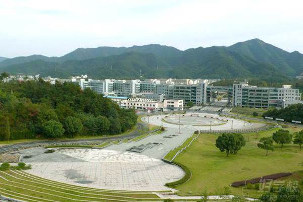浙江科技大学 校内环境