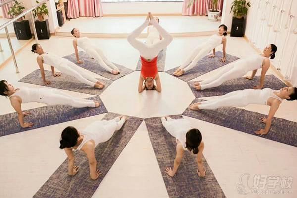 河源嘉莉瑜伽学院 表演风采