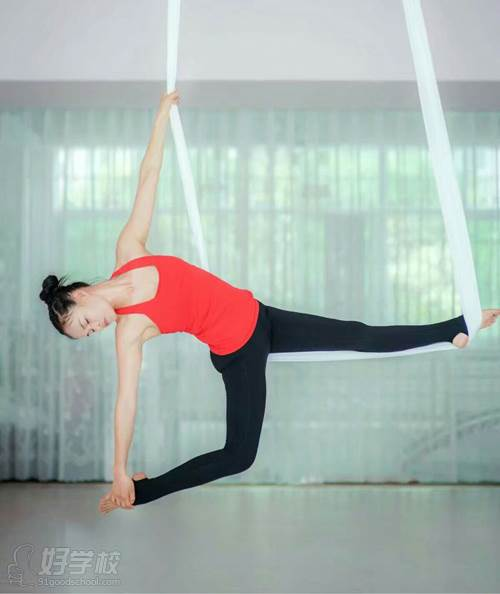 河源嘉莉瑜伽学院 专业示范