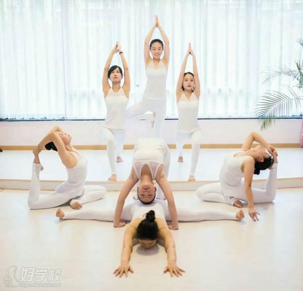 河源嘉莉瑜伽学院 学员风采