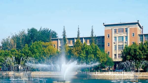 南开大学 校内喷泉