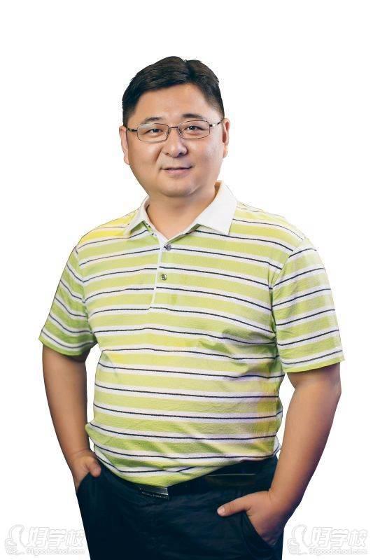 昆明朗播英语培训中心 赵东坡老师