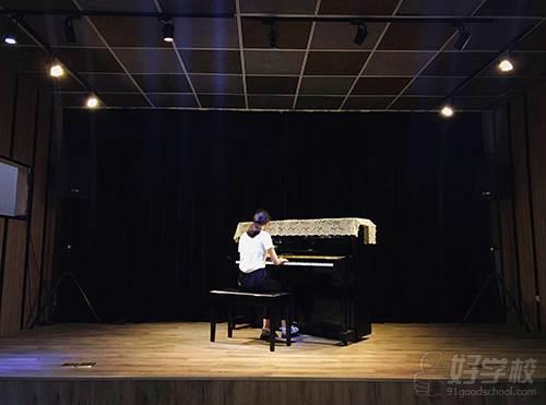 成都凡人音乐教育 培训现场