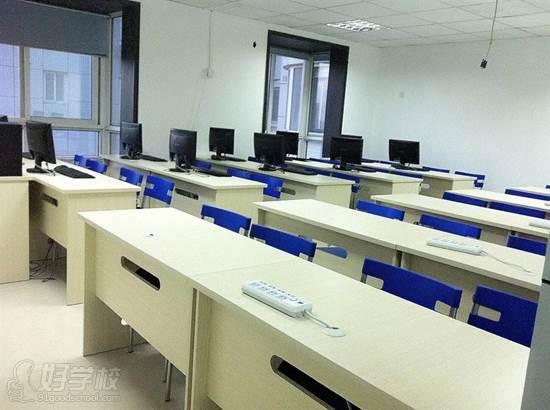 西安鷗鵬IT教育 教學環境