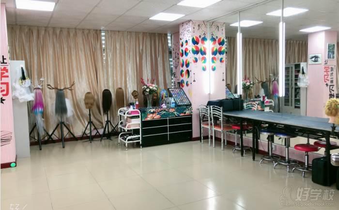 纖藝美業國際連鎖培訓學校  教學課室