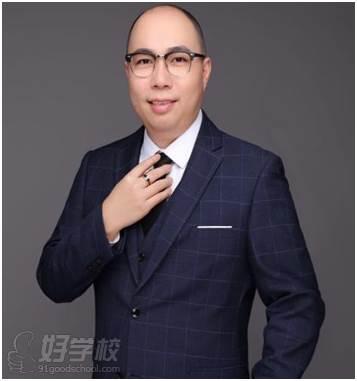 廣州韋文新視界教育 李老師