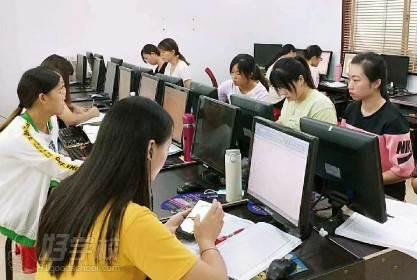 东莞新理想职业培训学校 课堂学习