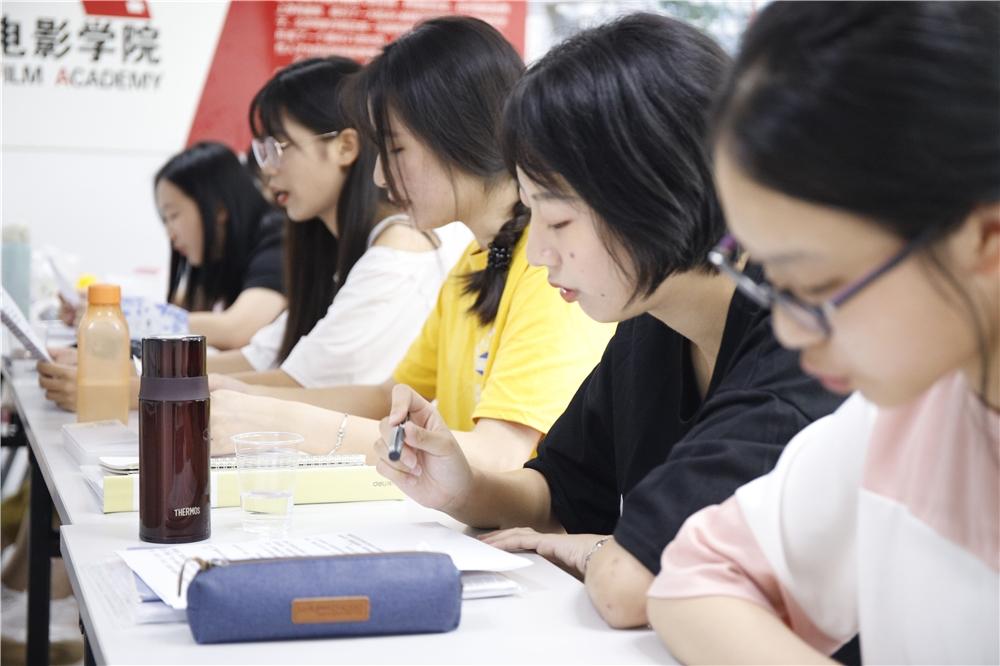 广东艺考播音主持培训课程