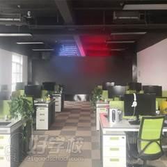 公司辦公室走廊