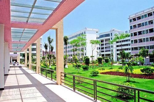 广州大学成人高考理工类专升本学校环境1