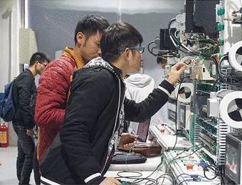 廣州工業機器人應用與維護初中起點五年制高技+大專招生簡章