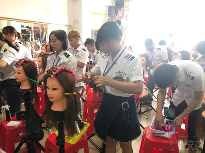 玉林创意美容美发彩妆美甲学校