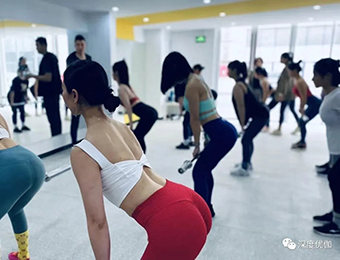 合肥瑜伽女子塑形培训班