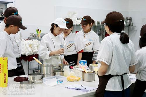 广州萌货国际烘焙学校 教学过程