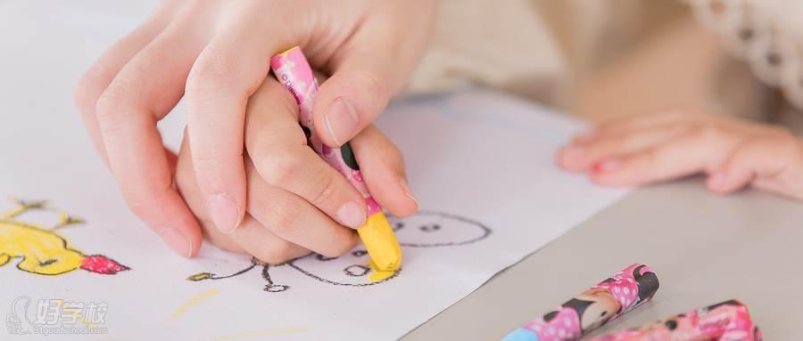 摄图网_501330422_wx_儿童一对一兴趣培训特写(企业商用)