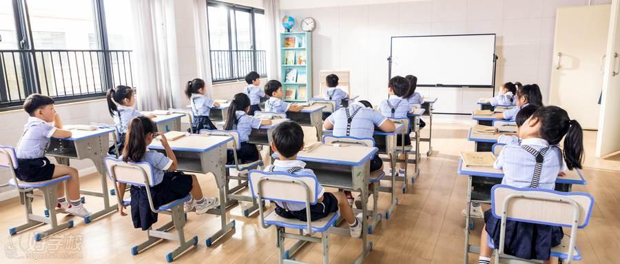 摄图网_501155803_wx_开学季(企业商用)