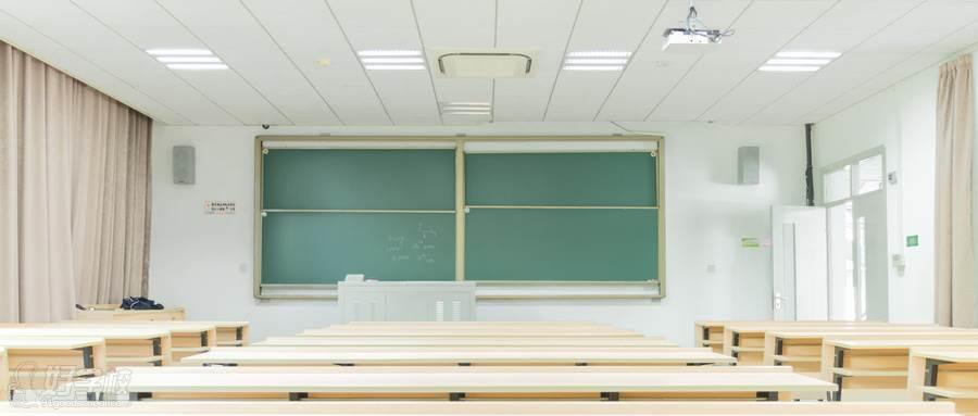 摄图网_500383415_wx_明亮的校园教室(企业商用)