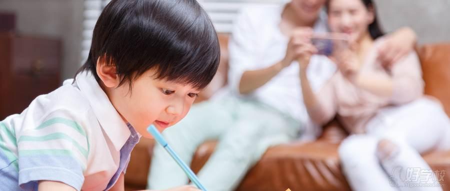 摄图网_500432244_wx_家庭亲子绘画大赛(企业商用)